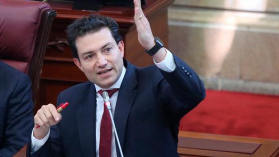 felipe cordoba declaración de renta patrimonio contralor