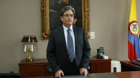 ministro de hacienda sisben ricos alberto carrasquilla