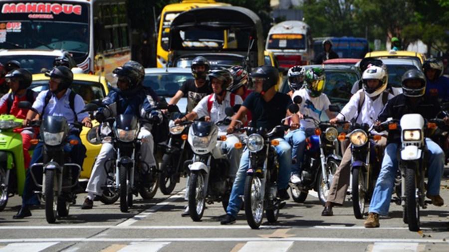 motos colombia peajes