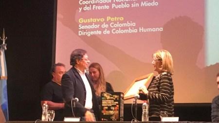 gustavo petro galardonado argentina colombia humana