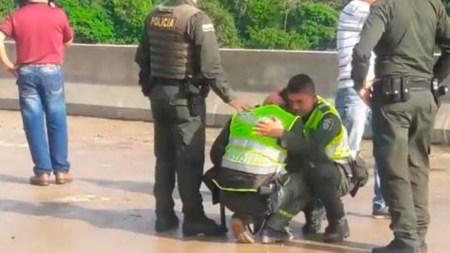 policia mujer puente