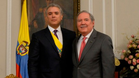 ministro de defensa ivan duque
