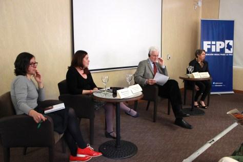 De izquierda a derecha: María Acosta (FIP), Katherine Aguirre (FIP), Phil Cook (Universidad de Duke, EE.UU.) y Regina Miki (secretaria nacional de Seguridad Pública del Brasil)