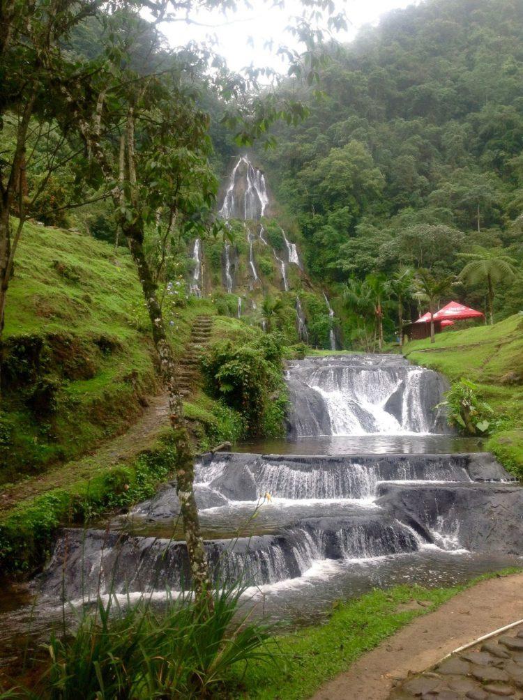 Fuente de agua natural Termales de Santa Rosa de Cabal