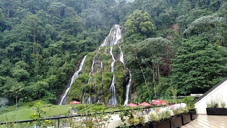 Waterfall- Santa Rosa de Cabal Hot Springs - Pasadia Online reservation - Coffee Axis Plans