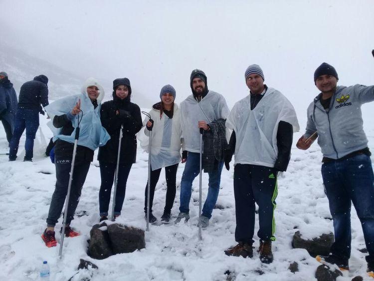 Glaciar con amigos Nevado Santa Isabel