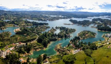 Tour to Guatapé-Reservoir