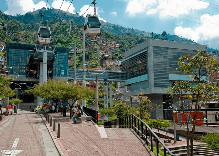 Tour Silleteros en Santa Elena - Parque Arví - Medellín Antioquia Colombia