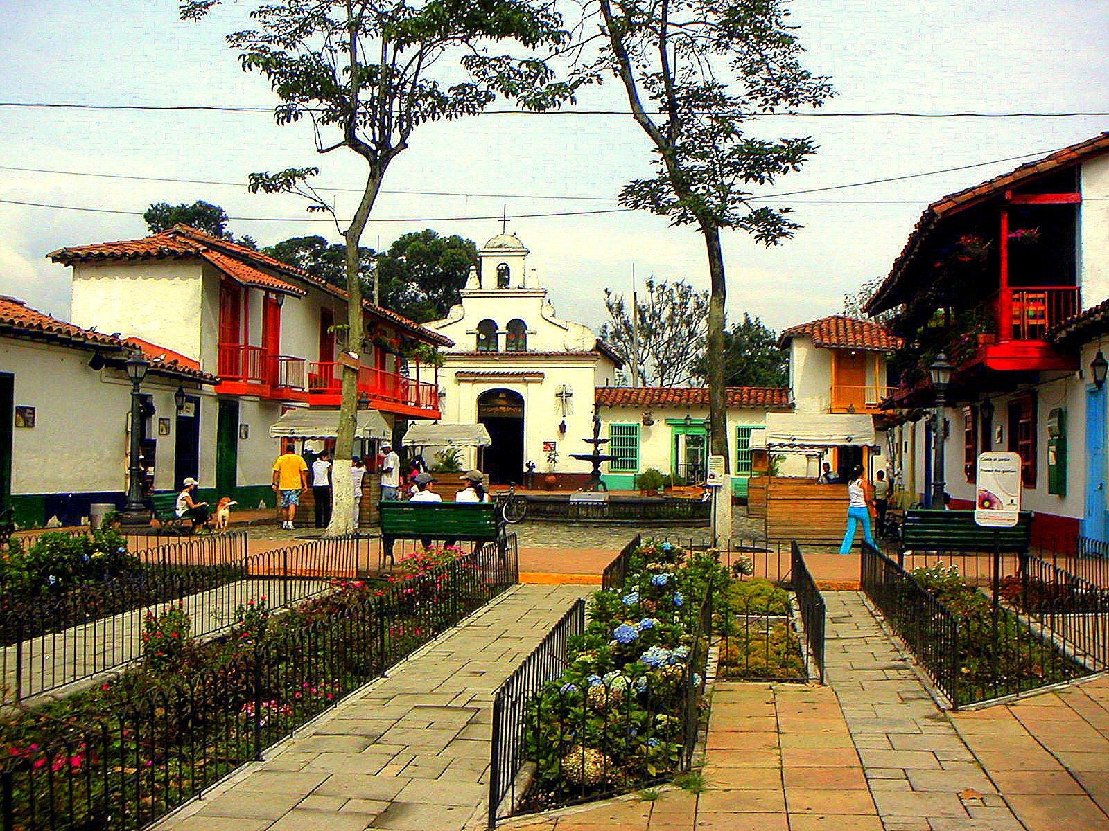 Pueblito paisa en Medellín, un lugar de arquitectura antioqueña tradicional.