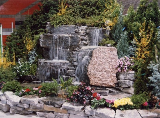 Colonial Classic Granite Waterfall