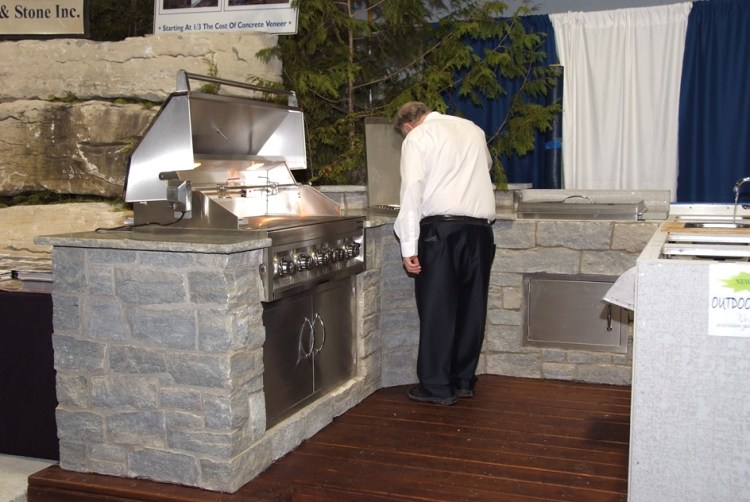 colonial outdoor living bbq display