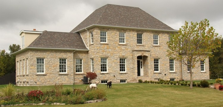 Harvest Gold Limestone Tumbled Squared & Ledgerock House