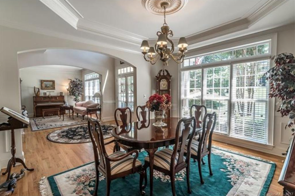 What Color Should I Paint My Dining Room  Decorating by