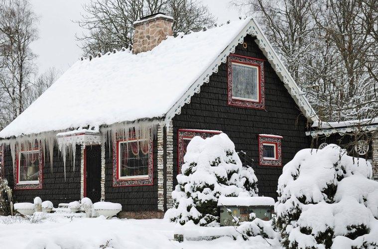 Cozy colorado cabins for fall or winter for Colorado cabin winter