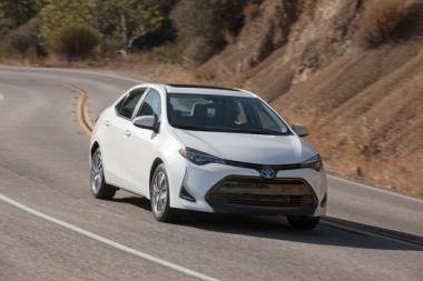 2017_Toyota_Corolla_ECO_001_86DDF00B6AF3AF01506D94A250FD91F48D9FB4B0_low