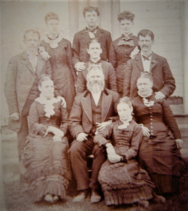 Old picture of the several members of the fletcher stubbs family.