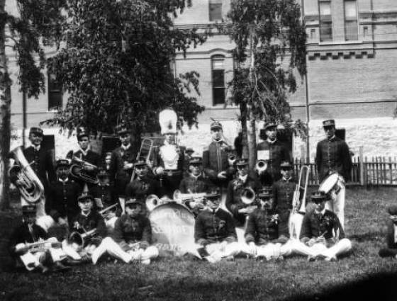 X- 2218 The Silver Plume Redmen Band poses between 1895 and 1905.