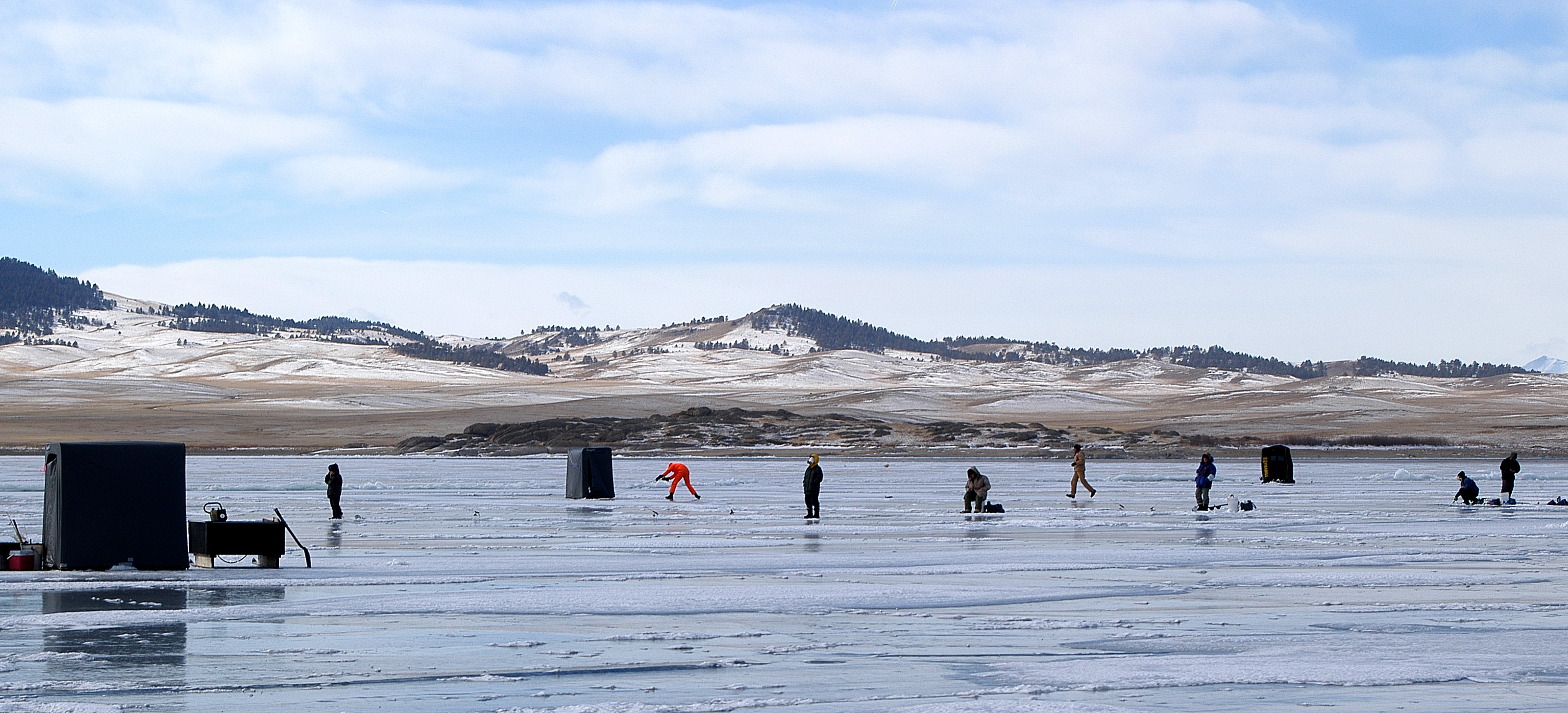 cd09fb2dc63a8 Ice is the great equalizer. The frozen surface of a lake is an open court