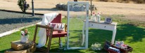 cropped-3-colores_de_boda-seating-ventana-silla-maletas-1.jpg