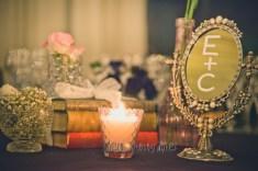 colores-de-boda-61-centro-mesa-libros-espejos