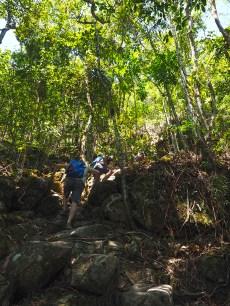 Danach folgt der steile Aufstieg zum Morro do Castelo