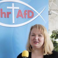 """Info-Stand am Rande des Kirchentags der """"Christen in der AfD"""""""