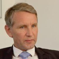 Nazi-Höcke bricht ZDF-Interview entnervt ab und droht Journalisten