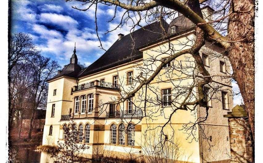 Wasserschloss Opherdicke im grünen Ruhrgebiet