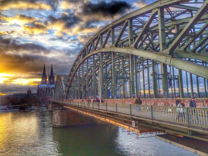 Die Hohenzollernbrücke in Köln - die Nr. 1 der Liebesbrücken