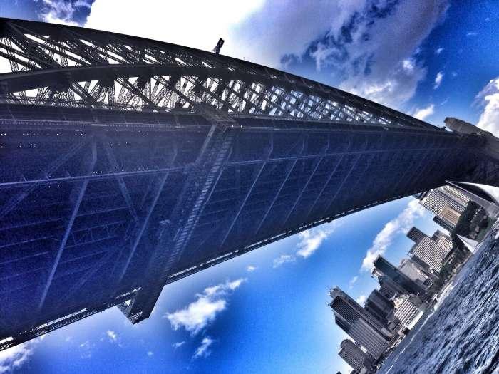 Die berühmte Harbour Bridge aus ungewöhnlicher Perspektive
