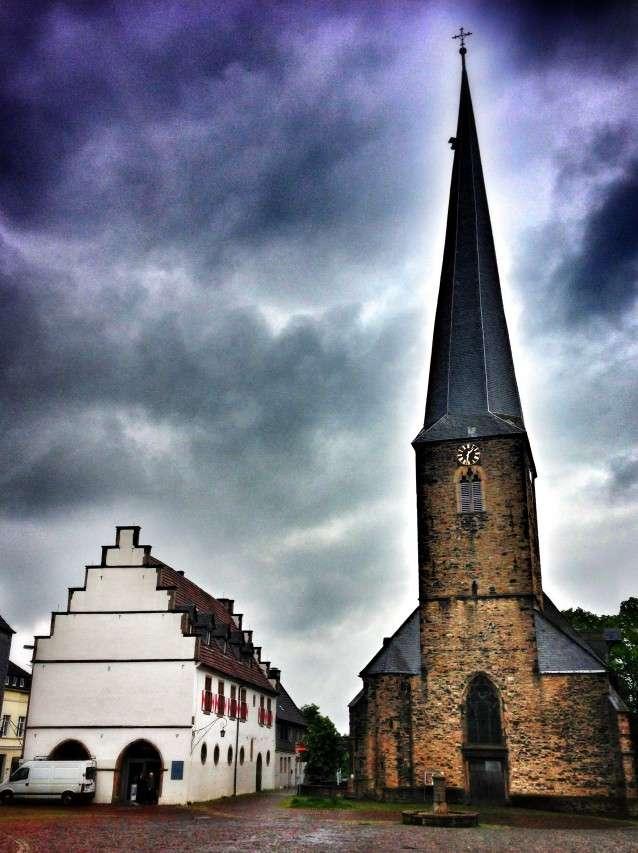 Viktor-Kirche mit Ruhrtal-Museum