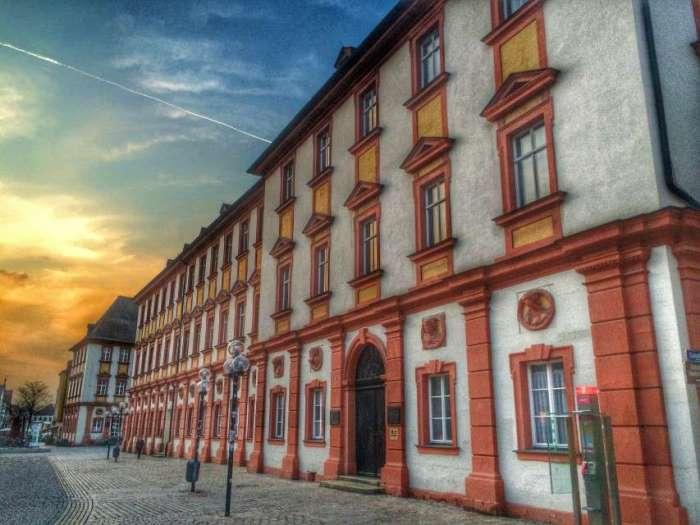 Das alte Schloss in der City