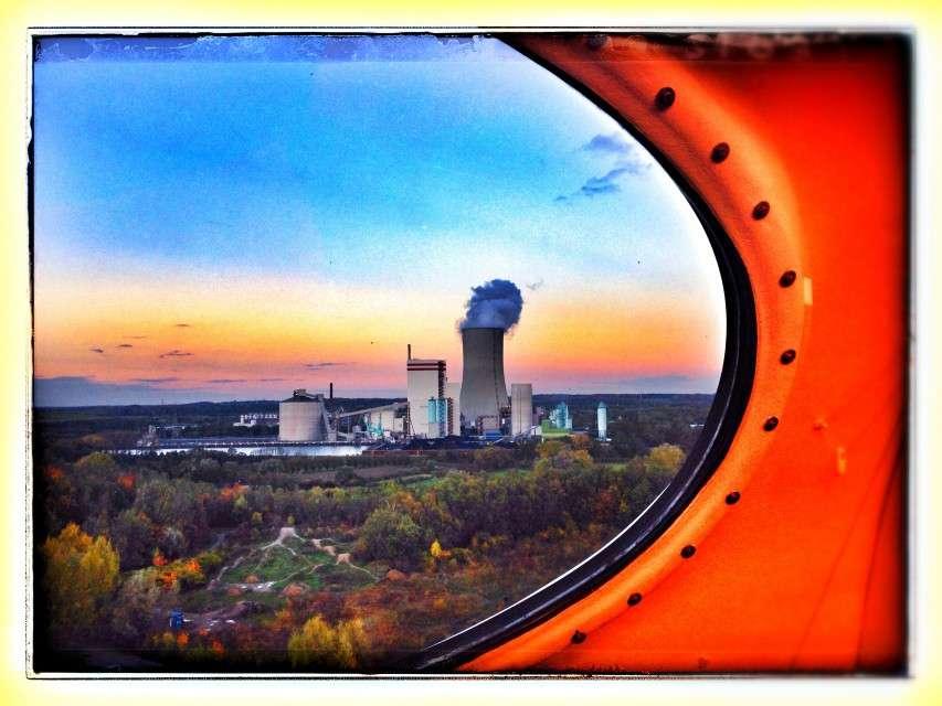 Blick aus dem UFO auf das Trianel Kohlekraftwerk