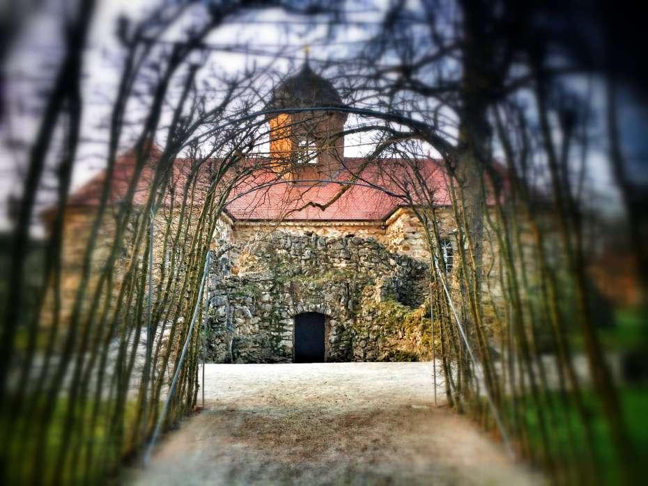Weg zum alten Schloss