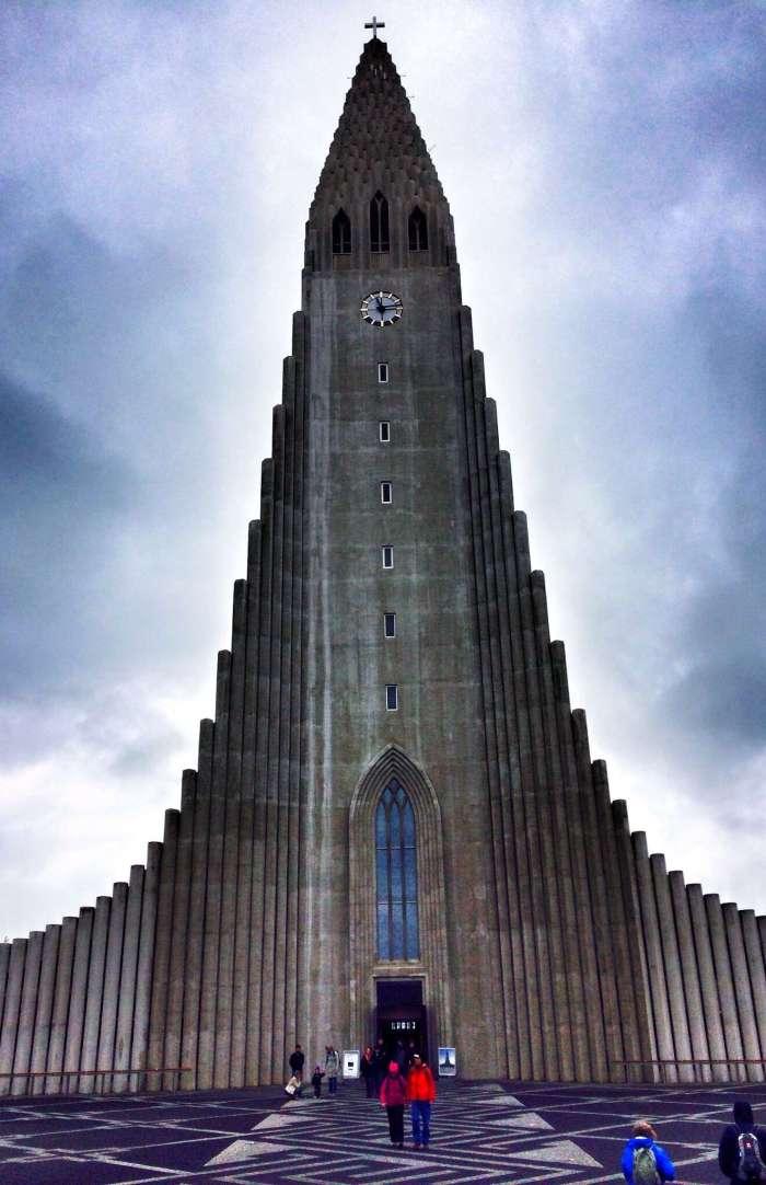 """Die Kirche in """"voller Pracht"""""""