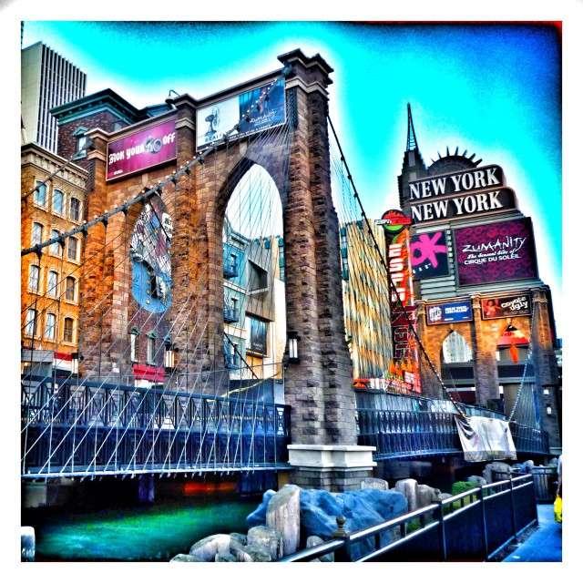 Auch eine Mini-Brooklyn-Bridge haben die Macher gebaut
