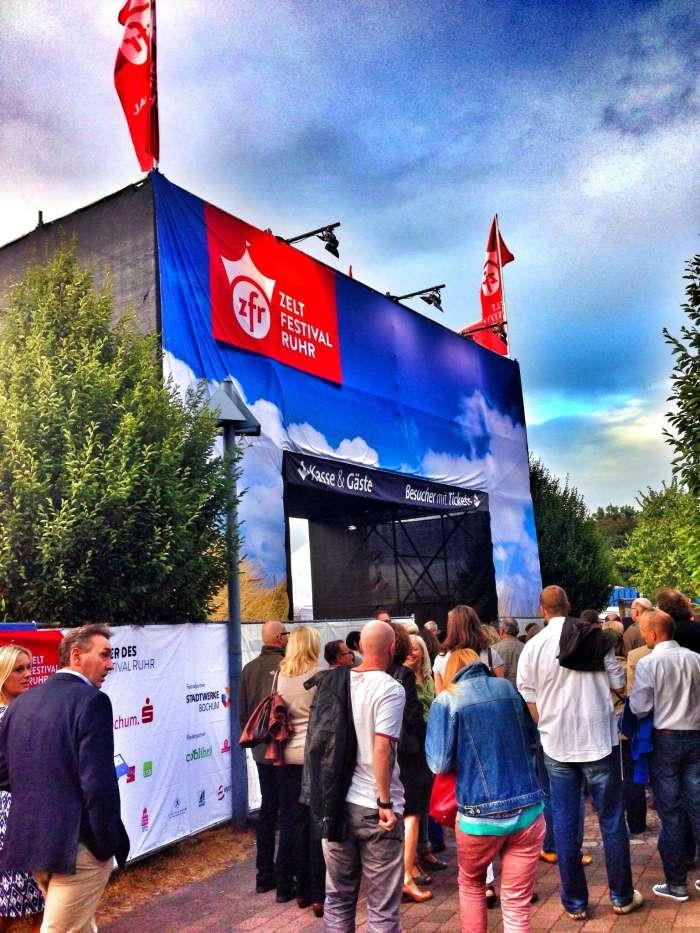 Eingang zum Zeltfestivals