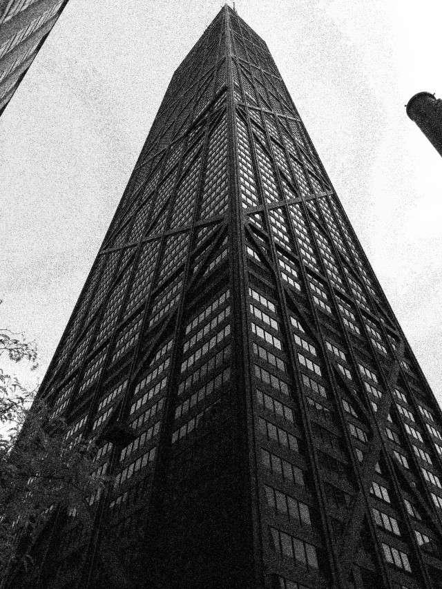 Der Hancock-Tower an der Magnifizenz Mile ist das zweithöchste Gebäude der Stadt