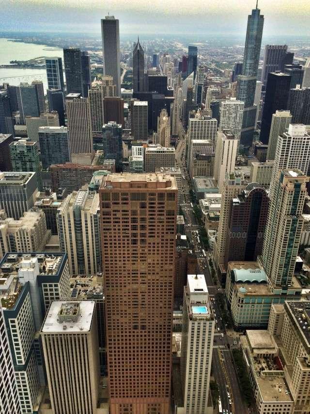 Blick vom Hancock Tower auf die Magnificent Mile
