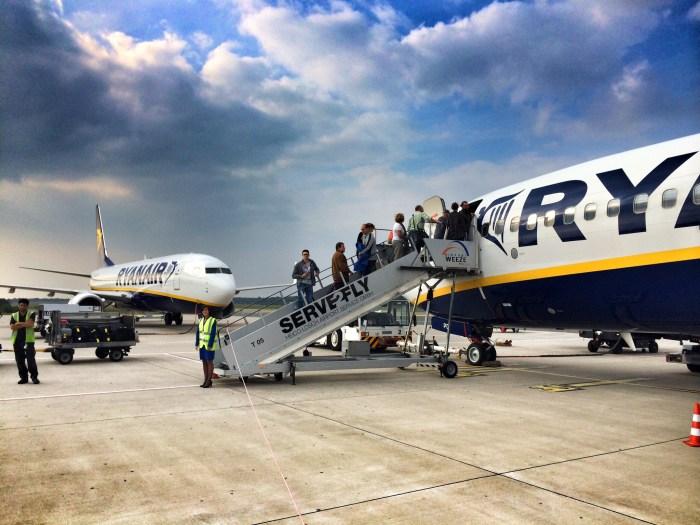 Zwei Ryanair-Maschinen in Weeze
