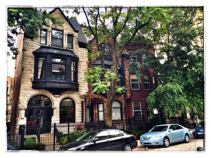 Rund um die Astor Street stehen zahlreiche kleinere Häuser
