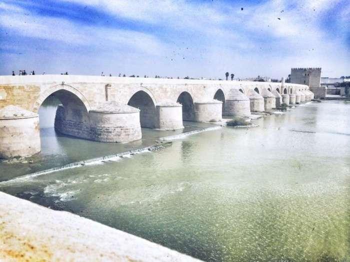 Historische Brücke in Cordoba