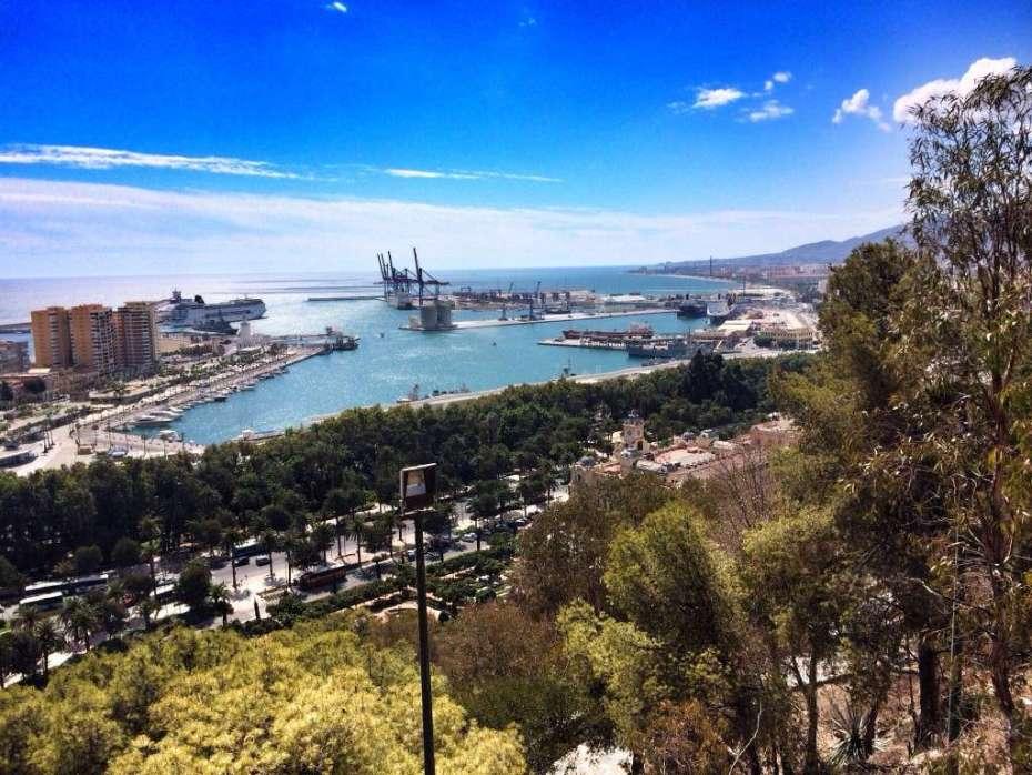 Blick von der Festung auf den Hafen