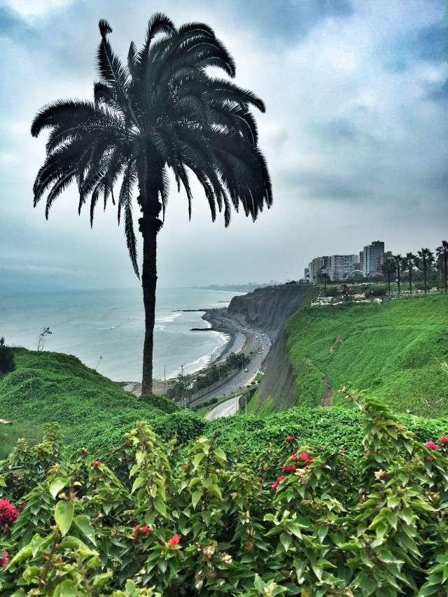 Blick auf die Küste in Lima