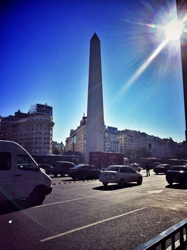 Obelisk in der Innenstadt von Buenos Aires