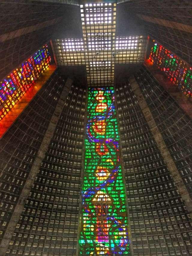 Die Kathedrale von Rio innen