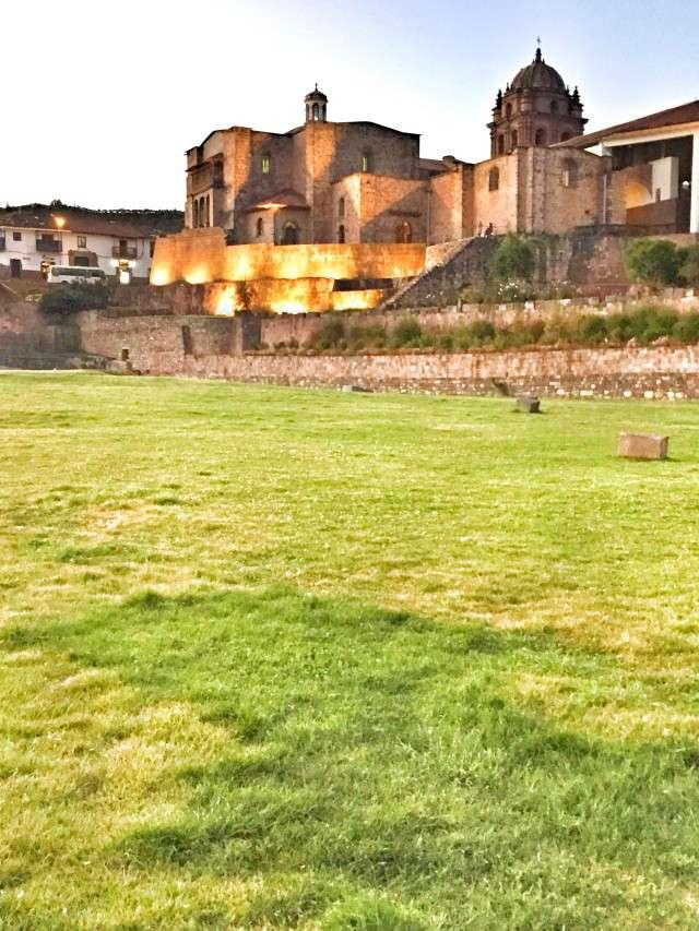 Dieses Kloster in Cusco wurde auf den Ruinen einer Kultstätte der Inkas gebaut