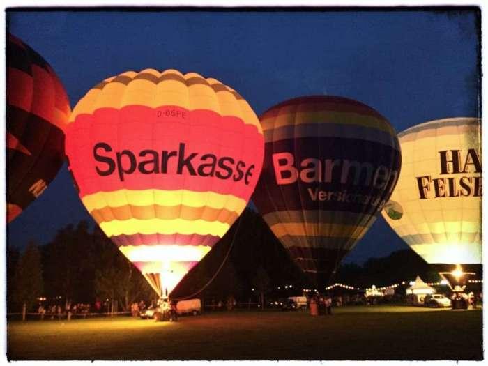 Heißluftballons beim Lichterfest