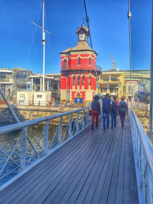 Turmuhr an der Waterfront