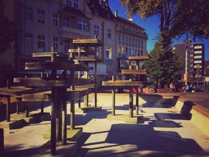 Brunnen ohne Wasser - auf dem August-Bebel-Platz in Wattenscheid